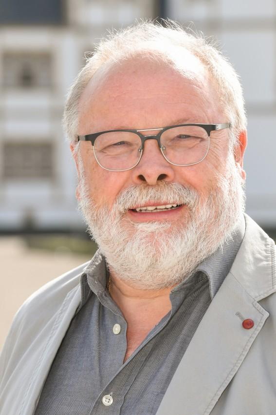 Bernhard Schaefer